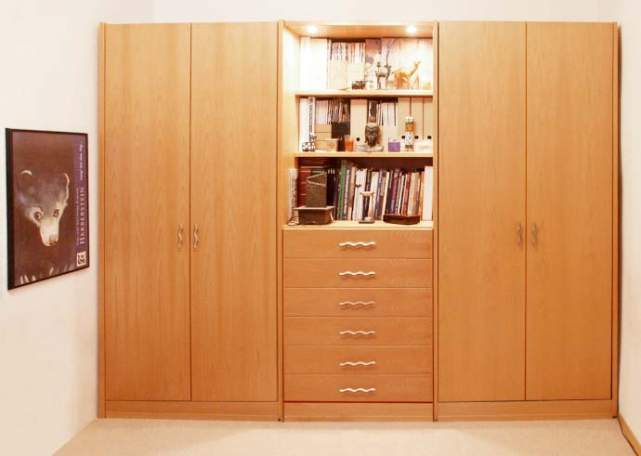 tv schrank versteckt inspirierendes design. Black Bedroom Furniture Sets. Home Design Ideas